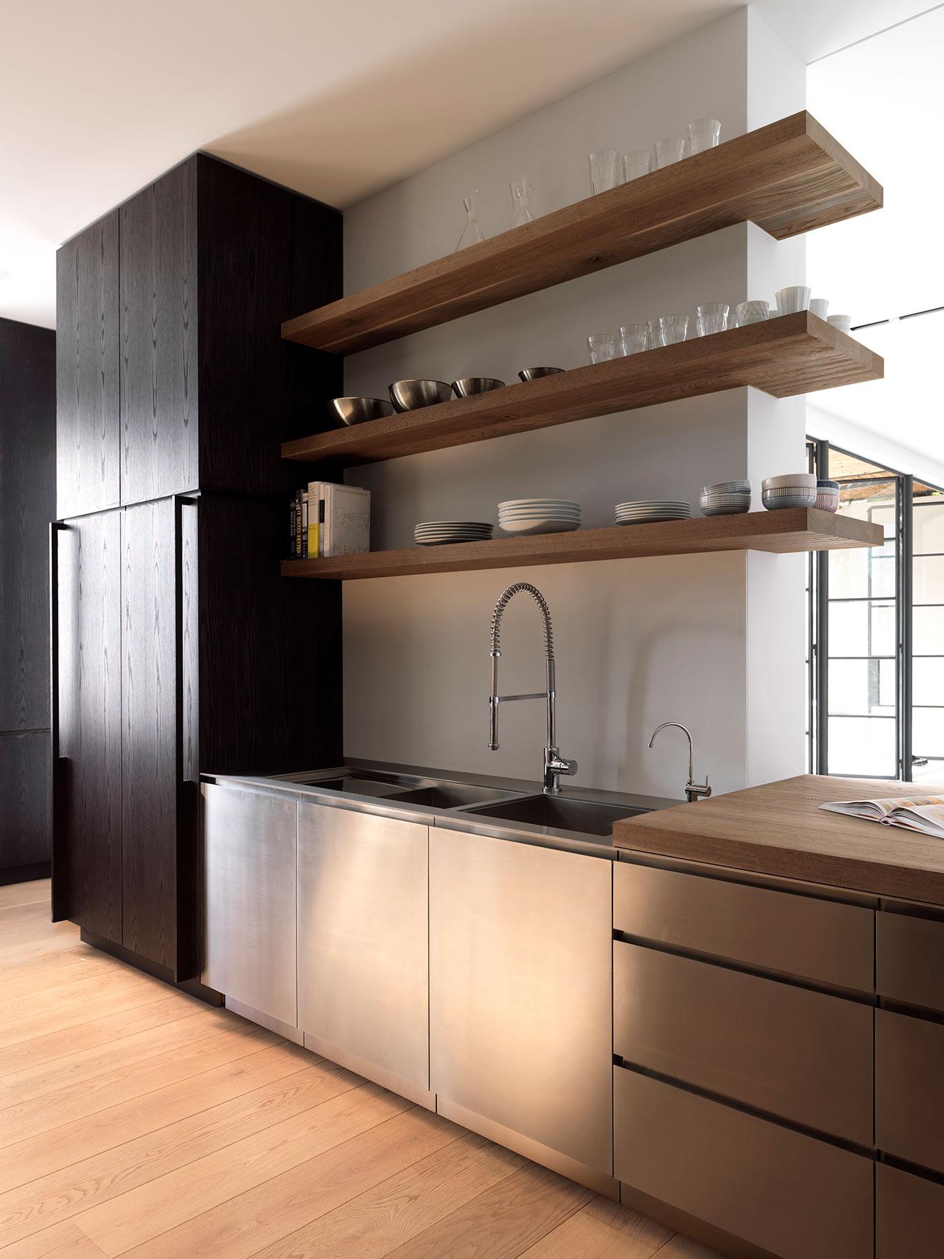 t1_kitchen_south_01